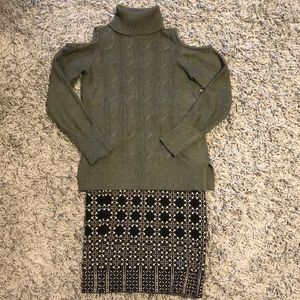 2 for 30$!! Heather green sweater